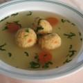 Bistra supa sa knedlama